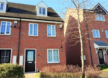 Thumbnail 3 bedroom town house for sale in Oak Drive, Leeds