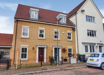 3 bed town house for sale in Tomlinson Road, Dunmow CM6