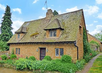 Thumbnail 2 bed flat to rent in Millers Lane, Hornton, Oxfordshire