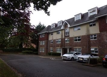 Thumbnail 2 bed flat to rent in Horsham Road, Crawley