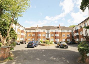 2 bed flat to let in Nugents Court
