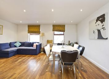 Thumbnail 3 bed flat to rent in Castelnau, London