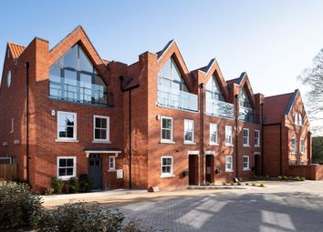 Thumbnail 4 bed town house for sale in Oak Tree Gardens, Hatfield Road, St Albans