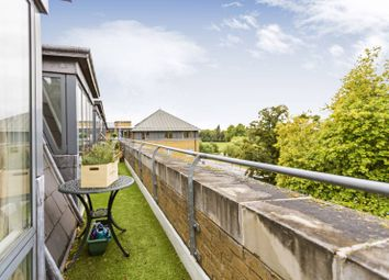Thumbnail 2 bedroom flat for sale in Clapham Common South Side, Clapham South