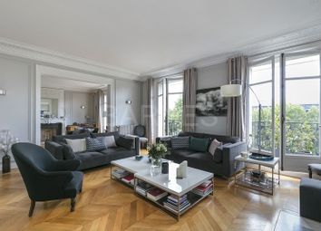 Thumbnail 6 bed apartment for sale in Neuilly Sur Seine, Neuilly Sur Seine, France
