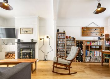 3 bed property for sale in Wellington Row, Bethnal Green, London E2