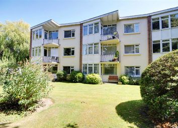 2 bed flat for sale in Willow Court, Grand Avenue, Worthing, West Sussex BN11