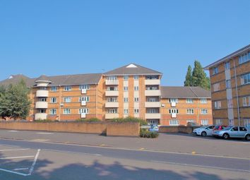 Thumbnail 2 bedroom flat for sale in Oxford Road, West Reading, Reading