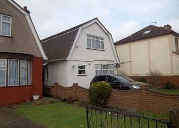 Thumbnail 5 bed flat to rent in Blacksmiths Lane, Rainham, Essex
