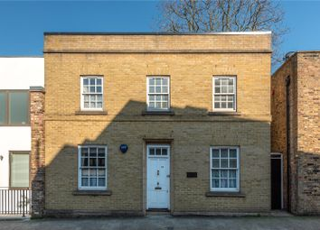 3 bed detached house to rent in Florence Street, Islington N1