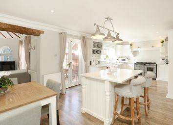 Thumbnail 4 bed detached house to rent in Boyneswood Road, Medstead, Alton