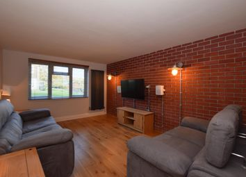 1 bed flat for sale in East Crescent, London N11