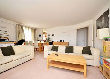 Thumbnail 2 bed flat to rent in Pierpoint Building, Canary Wharf