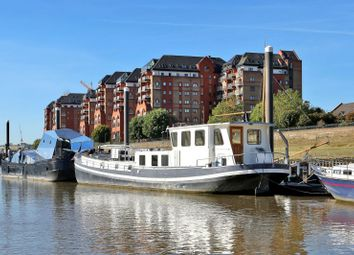 Imperial Wharf, Fulham SW6. 2 bed houseboat