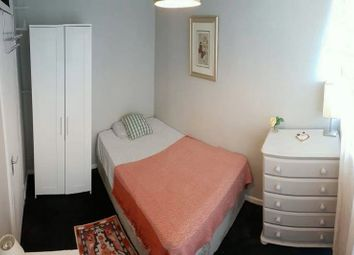 Thumbnail Studio to rent in 5, Crondall Street