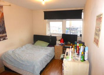 New Cross Road, London SE14. 4 bed flat