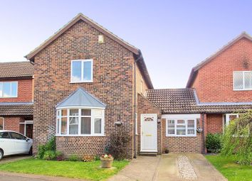 Thumbnail 4 bed detached house for sale in Elmcroft Place, Westergate, Chichester