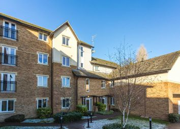 Thumbnail 2 bedroom flat for sale in High Street, Berkhamsted