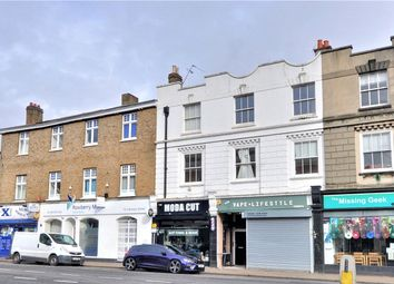 2 bed flat to rent in Clarence Street, Staines-Upon-Thames, Surrey TW18