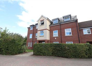 2 bed flat to rent in Woodpecker Place, Bracknell RG12