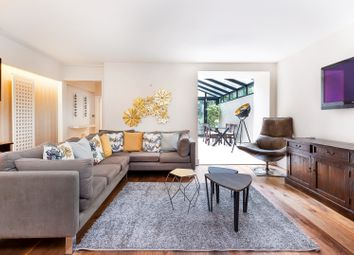 Thumbnail 2 bed flat for sale in Coleherne Road, Chelsea
