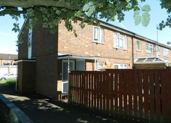 Thumbnail 2 bedroom flat to rent in Trinidad Close, Basingstoke