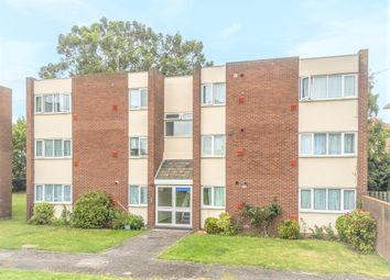 Sandown Close, Hounslow TW5. 2 bed flat