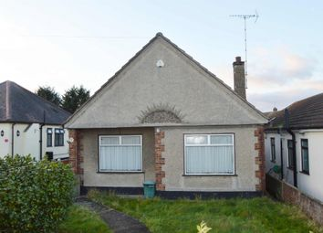 Thumbnail 2 bed bungalow for sale in Hamlet Road, Collier Row, Romford