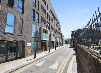 1 bed property to rent in Godfrey Place, London E2