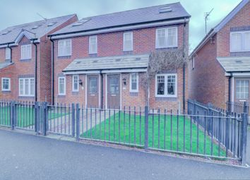 Thumbnail 3 bed town house for sale in Tyne Vale, Stanley