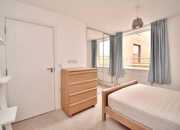 Flat 14 33, Chamberlayne Road, London NW10. 2 bed flat