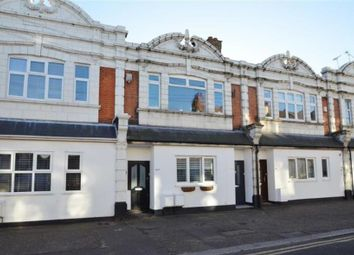 Glendale Gardens, Leigh-On-Sea SS9. 2 bed flat