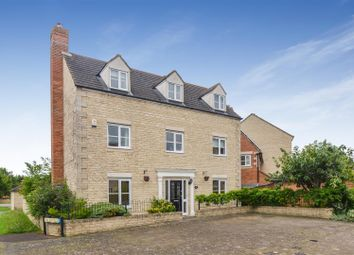 Thumbnail 5 bed detached house for sale in Mallards Way, Bicester
