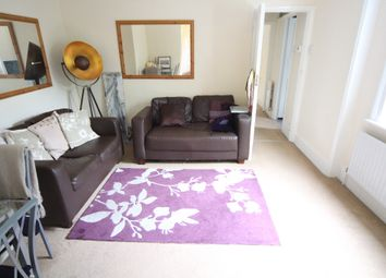 Thumbnail 1 bedroom flat to rent in Oakfield Road, London