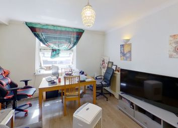 1 bed property to rent in St. Katharines Way, St Katherine Docks, Wapping, London E1W