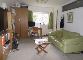 Thumbnail Studio to rent in Kimbers Lane, Maidenhead
