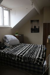 Thumbnail 7 bed terraced house to rent in Hyde Park Road, Leeds