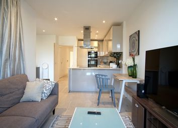 Thumbnail 2 bed flat to rent in 1 Rochester Place, London