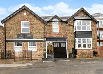 Thumbnail 1 bed property to rent in Waterhouse Mews, Park Terrace East, Horsham