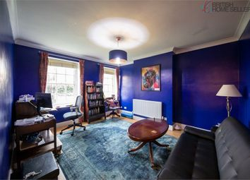 Lyons Place, London NW8. 1 bed flat for sale