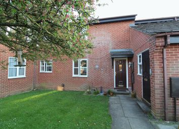 Thumbnail 1 bed maisonette for sale in Oat Close, Aylesbury