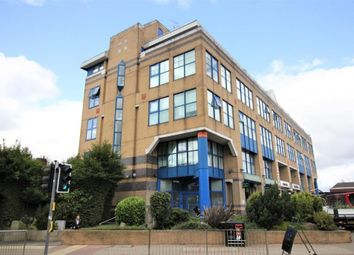 Albany Gate, Darkes Lane, Potters Bar EN6. 2 bed flat for sale