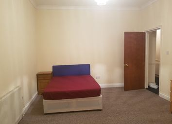 Thumbnail Room to rent in Mildenhall, London