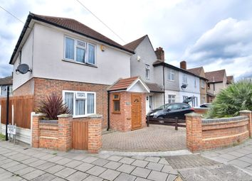 Thumbnail 3 bed detached house for sale in Fencepiece, London, Essex