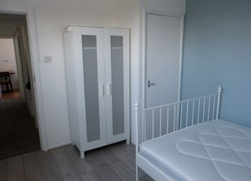 Thumbnail Property to rent in Sinclair Grove, Golders Green, London