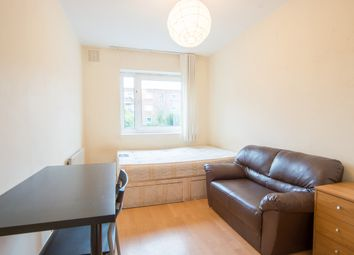 3 bed flat to rent in Colville Estate, London N1