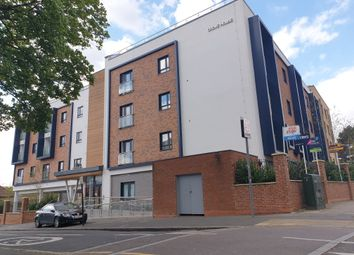 Thumbnail 1 bed flat to rent in Sidmouth Avenue, Isleworth