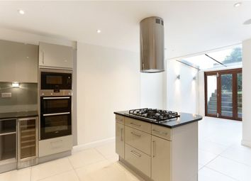 3 bed maisonette to rent in Lancaster Road, London W11
