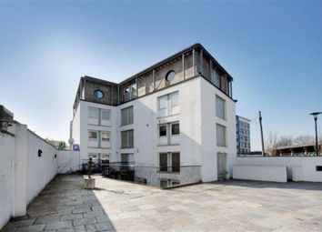 Thumbnail 3 bed flat to rent in Grasmere Road, London