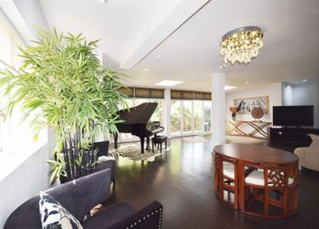 Thumbnail 6 bed semi-detached house to rent in Deansway, London